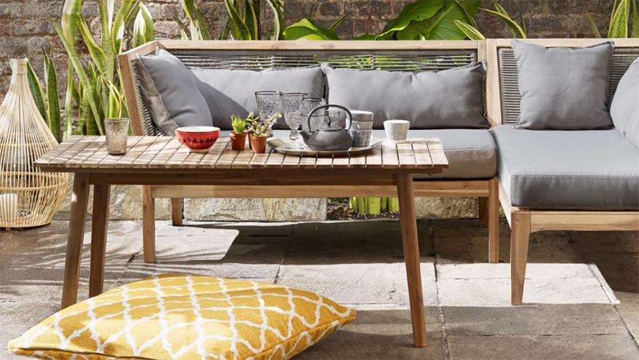 Kiedy kupować meble ogrodowe?