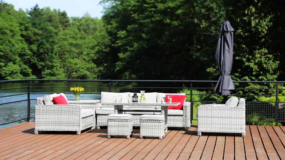Zestaw mebli ogrodowych – z sofą czy bez?