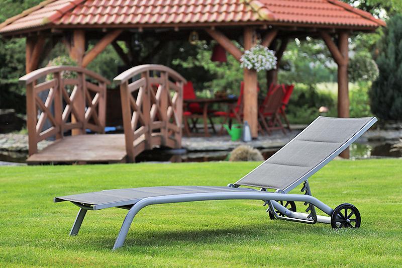 Leżak ogrodowy na kółkach Ibiza