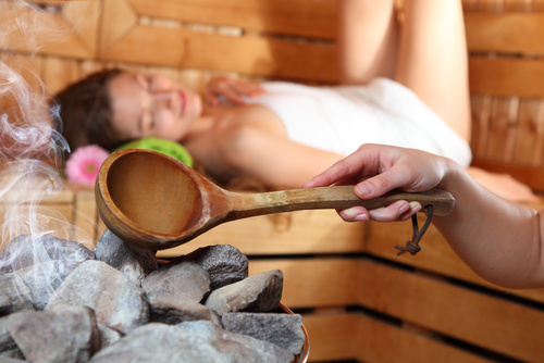 sauna fińska kamienie na piecu